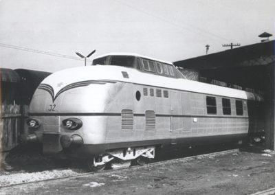 luminijski motorni vlak serije 611
