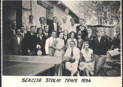 """ŠK""""Željezničar"""", sekcija stolni tenis (ispred prostorija kluba,Trnje)"""