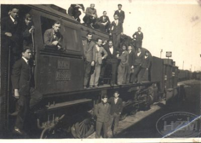 Grupa naučnika Radionice Zagreb na lokomotivi 06-023