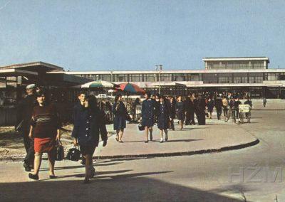 Željeznički kolodvor VInkovci, naklada Fototehnika, Zagreb, putovala 1967. godine